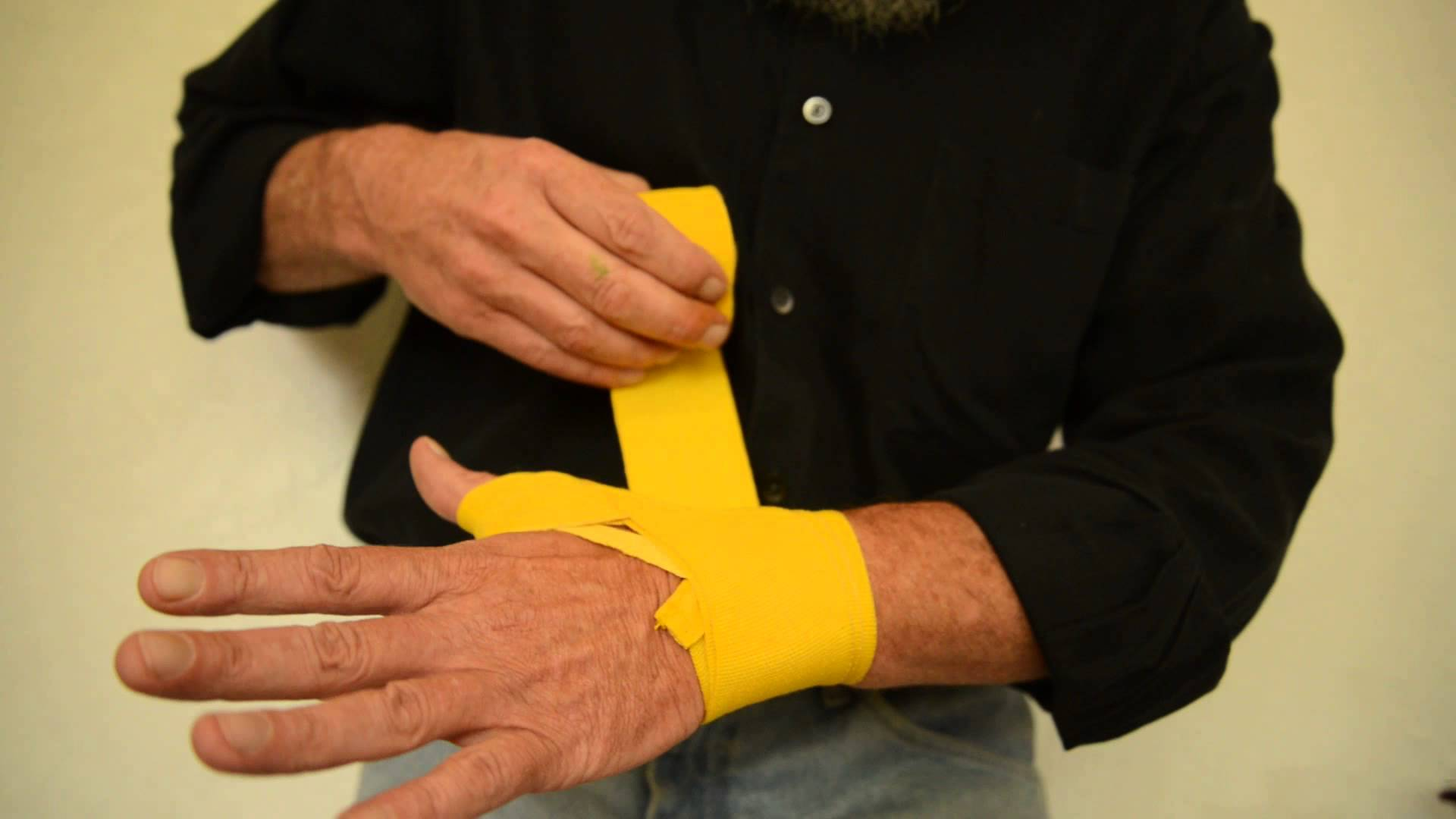 hand-wrapping1