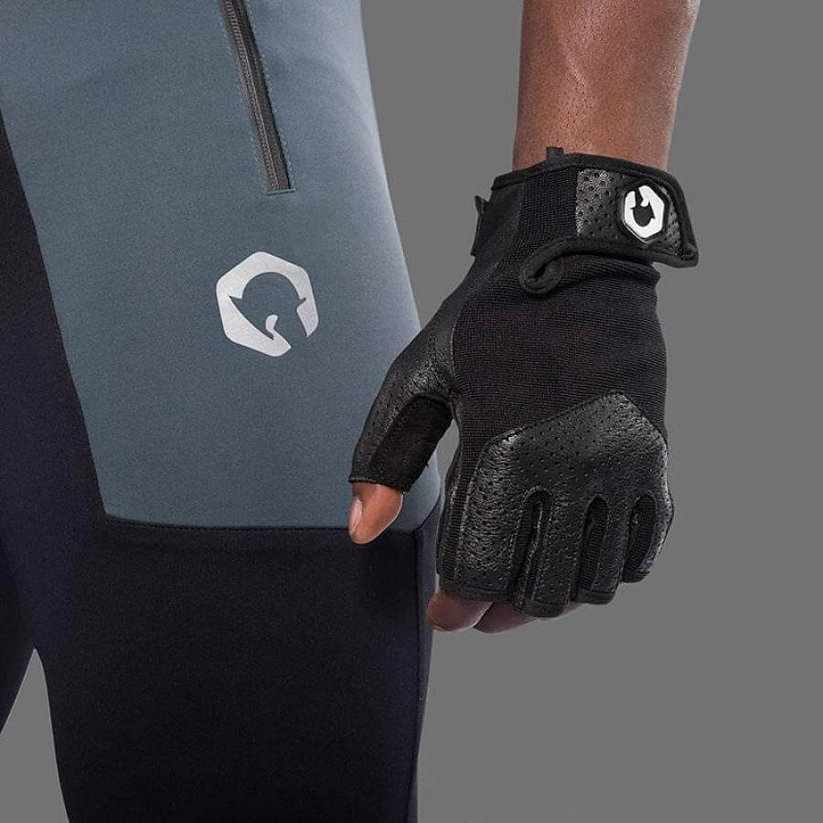 10 Best Gym Gloves Reviewed & Rated In 2018