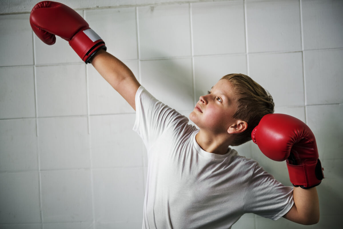 kids with boxing gloves image